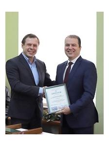 Колективний договір Маріупольского порту визнали найкращим у Профспілці працівників морського транспорту України