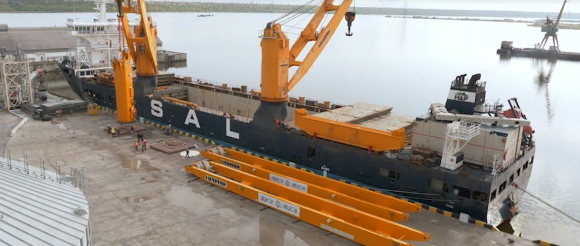 Судно Palmerton доставило до Миколаєва два портальні крани для судна NIBULON MAX (ВІДЕО)