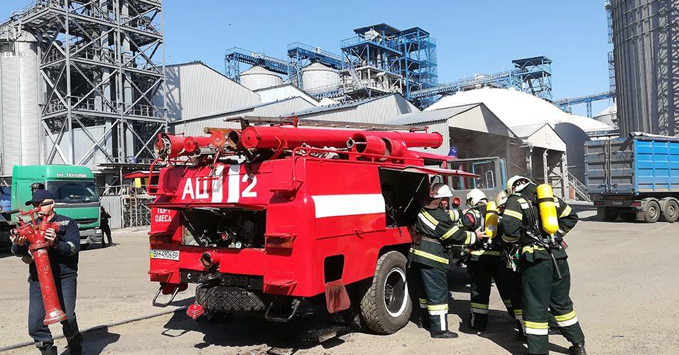 В Одеському порту відбулося планове пожежно-тактичне навчання на зерновому терміналі ТОВ «Олімпекс Купе»