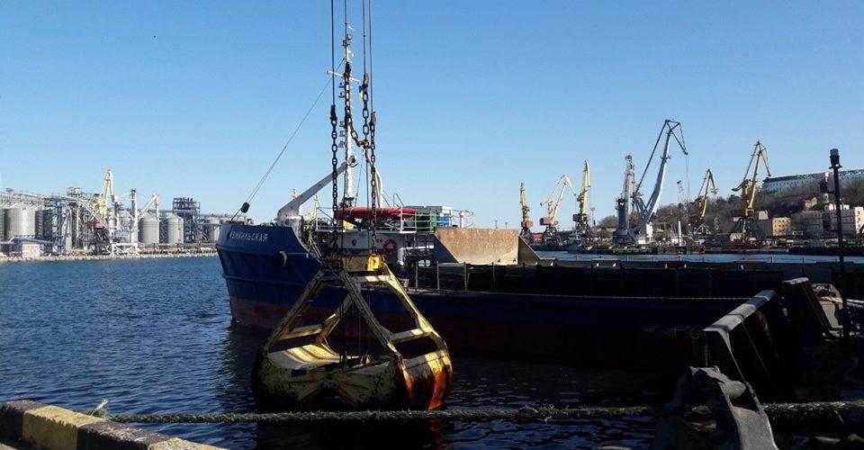 В Одеському порту проведено ремонтні черпання на 22,5 млн. грн.