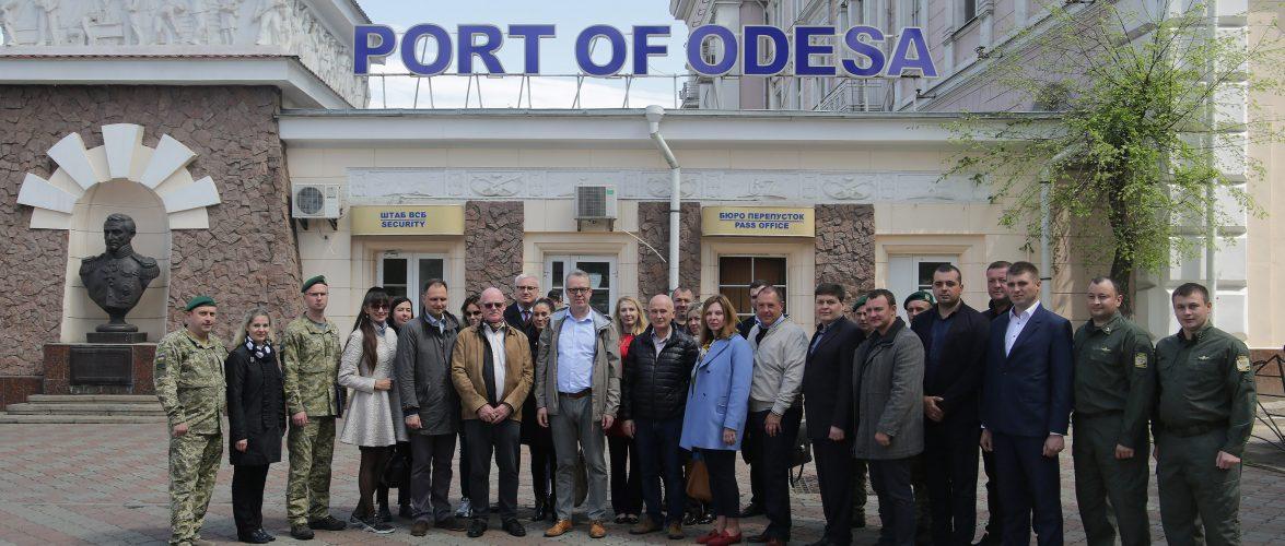 Група радників Європейського Союзу високого рівня та Агенції FRONTEX відвідала Одеський порт
