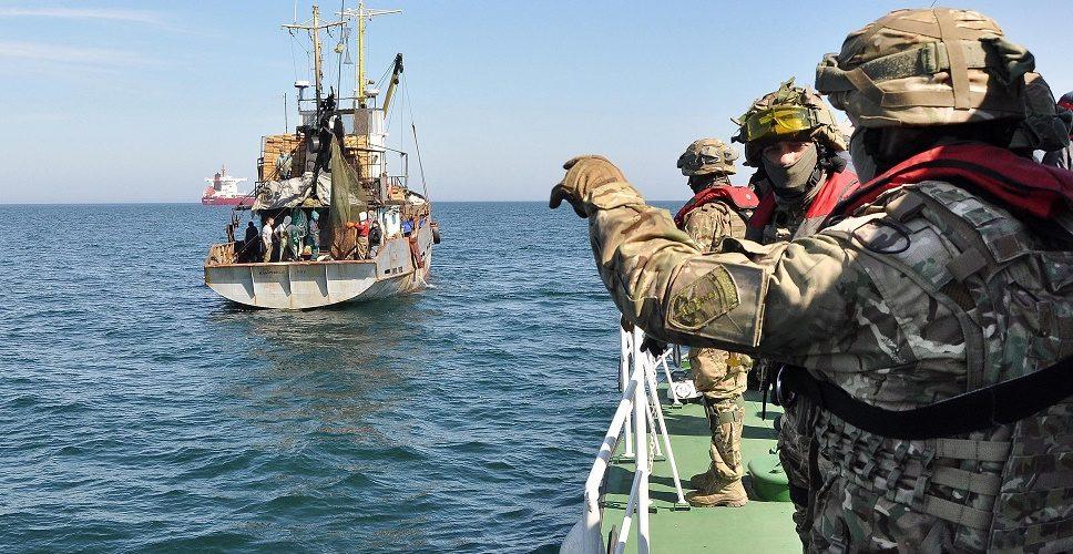 Морська охорона зупинила 3 рибальскі шхуни, що переходили з Туреччини до України