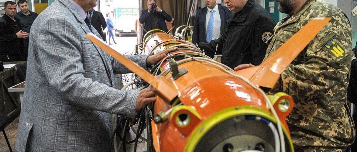 """Крилаті ракети """"Нептун"""" зможуть знищувати російські військові кораблі будь-якого класу, а за необхідності – знести Керченський міст – Турчинов"""