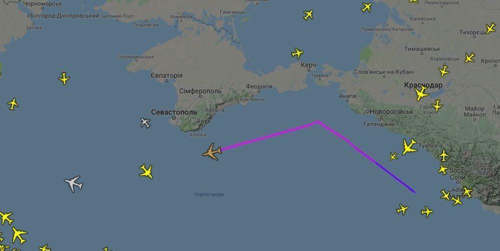 Узбережжя Криму патрулює американський літак радіоелектронної розвідки Boeing RC-135V Rivet Joint