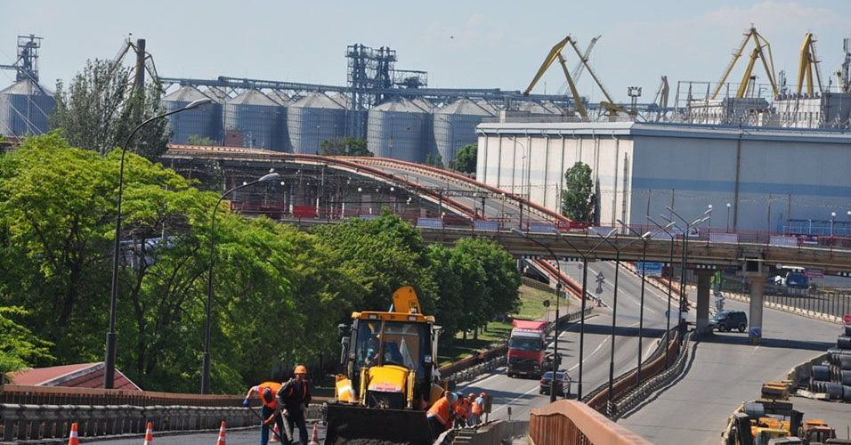 Одеський порт відремонтував близько 8 тис. кв. м покриття основної магістралі шляхопроводу