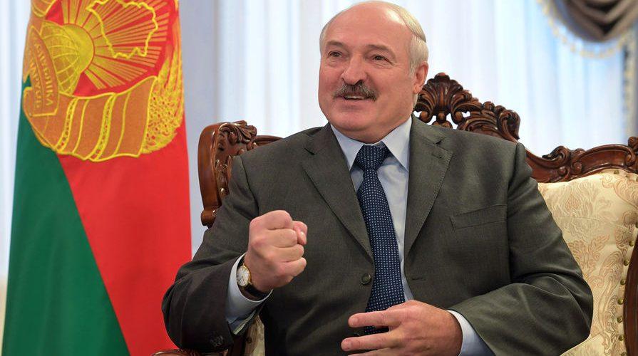 Ми могли б з півночі Дніпром в Чорне море пустити потоки вантажів – Лукашенко