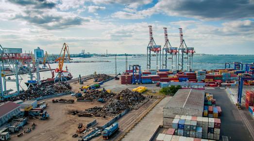 За 9 місяців українські морські порти збільшили перевалку вантажів майже на 20%