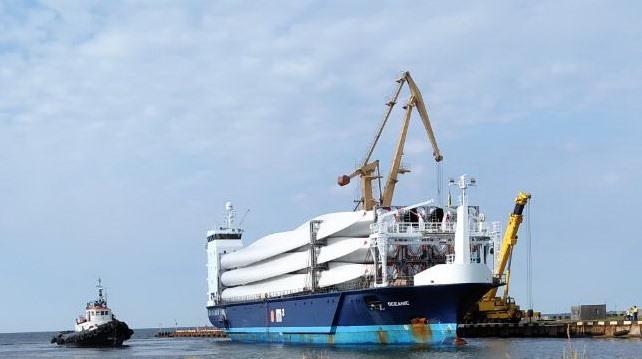 Порт Скадовськ успішно обробив вантаж комплектуючих для Мирненської ВЕС