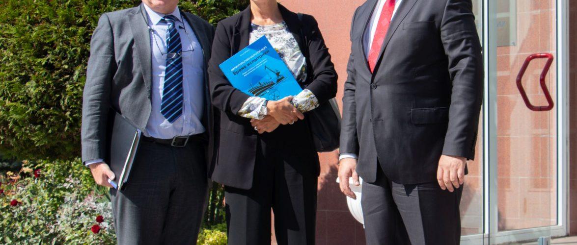 Адміністрацію Маріупольського морського порту з офіційним візитом відвідала Надзвичайний Посол ФРН Анка Фельдгузен