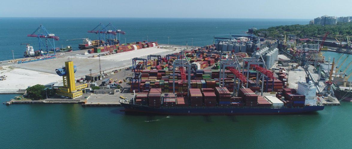 За 10 місяців оператори одеського порту забезпечили дві третини обсягів контейнерної перевалки в Україні