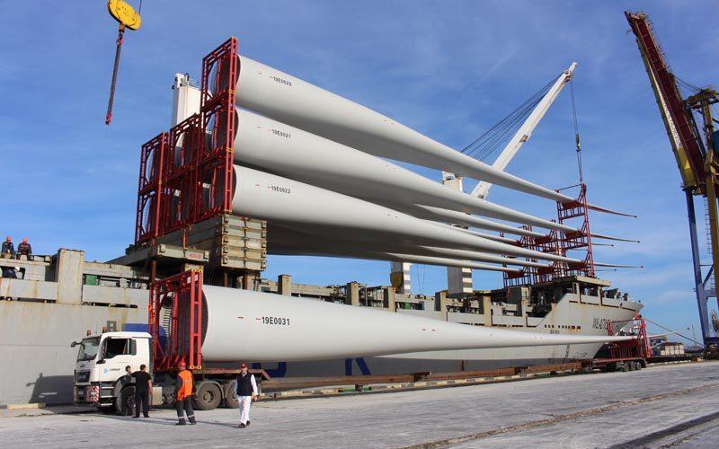 Контейнерний термінал пору «Чорноморск» успішно обробив судно «Wladislav Orkan» з  лопатями для вітрогенераторів