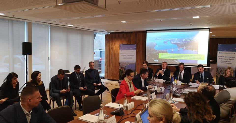 """Законопроект """"Про внутрішній водний транспорт"""" №1182-1 пройшов обговорення в Комітеті з питань транспорту – Юлія Клименко"""