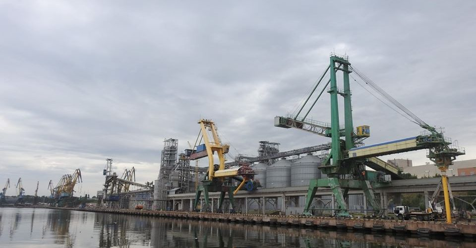 Миколаївський порт збільшив перевалку на 20% за 10 місяців