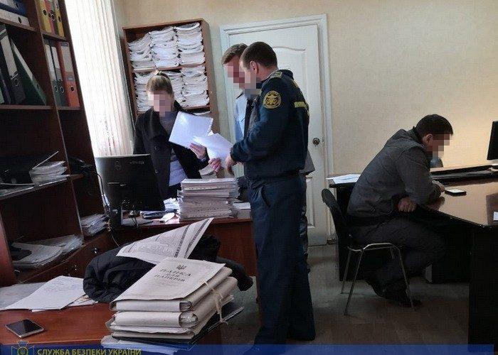 Посадові особи Миколаївської митниці безпідставно занижували податкові ставки на добрива – СБУ