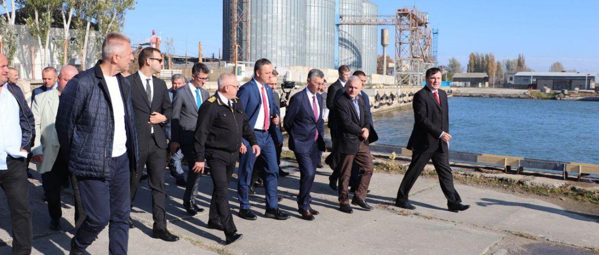 Делегація Туреччини прибула до Скадовська розглянути можливість відновлення поромного сполучення між Скадовськом і Зонгулдаком