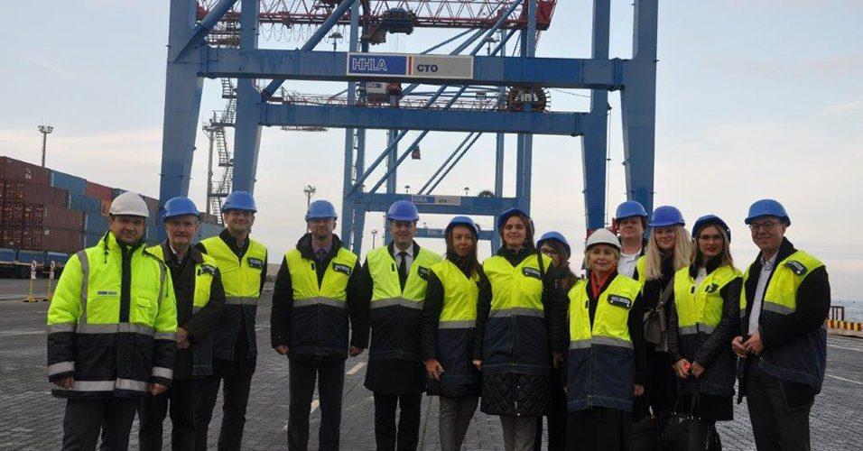 Делегація з Німеччини відвідала контейнерний термінал на Карантинному молу