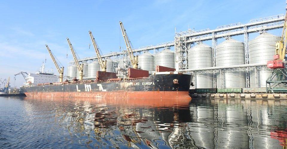 Оператори Миколаївського порту перевиконали річний план порту обробивши 30,5 млн тонн вантажів