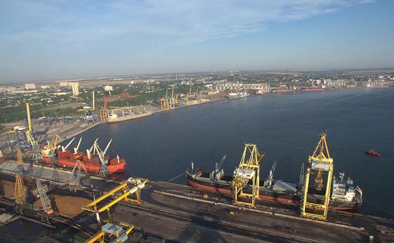 Вантажообіг порту Чорноморськ склав 23 млн 573 тис. тонн за 11 місяців
