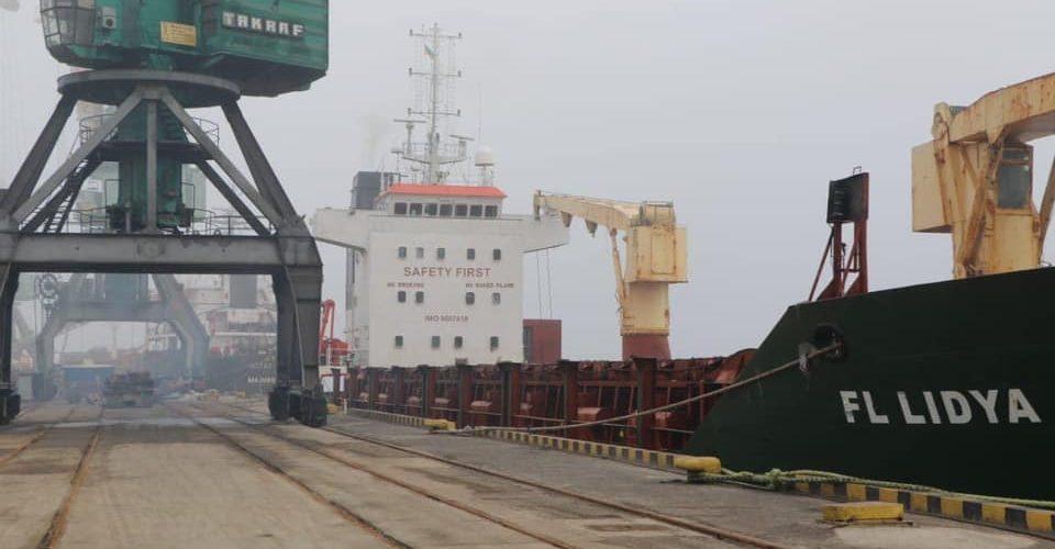 В Україну намагались контрабандою ввезти небезпечні відходи з Чорногорії