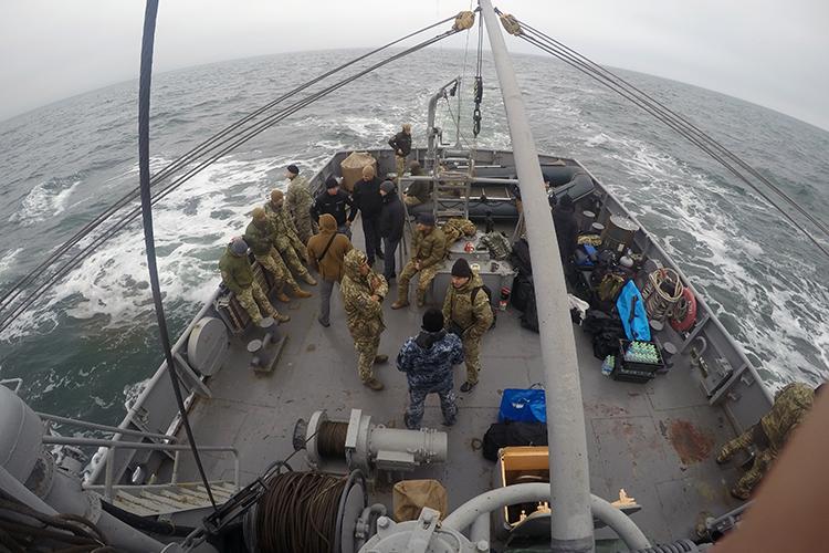Курсанти Школи водолазів ВМС спустилися на максимальну глибину 30 метрів