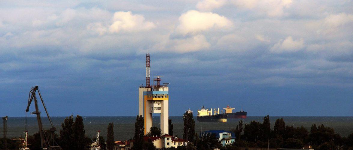 Оператори морського порту Південний обробили більше 50 млн тон вантажів за 10 місяців