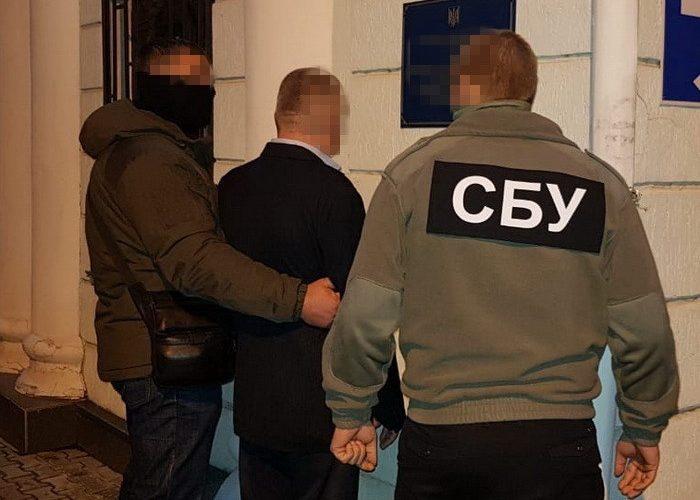СБУ затримала начальника одного з підрозділів митниці Державної фіскальної служби у Херсонській області, АР Крим та м. Севастополь