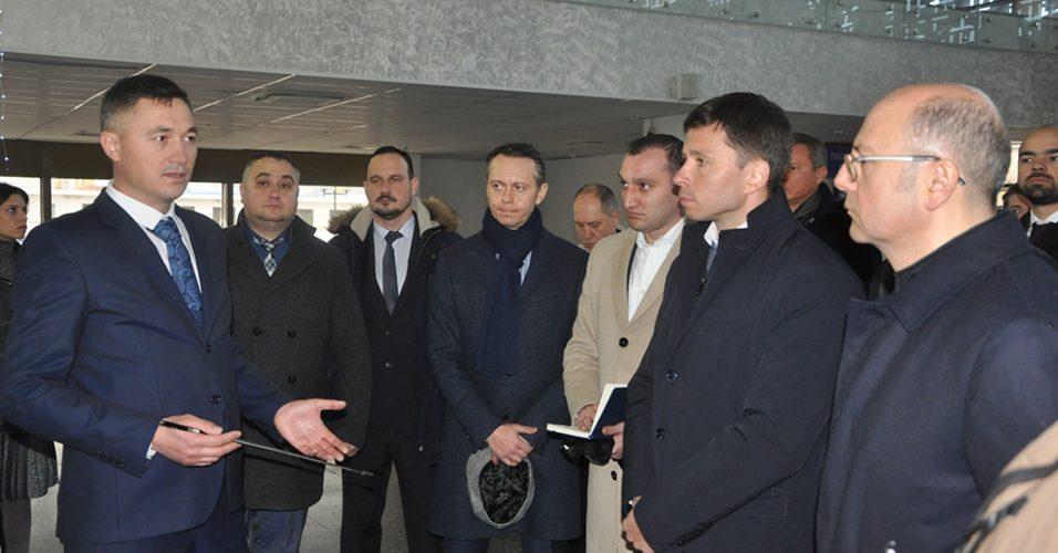 Одеський порт відвідала азербайджанська делегація на чолі з міністром енергетики Пярвізом Шахбазовим