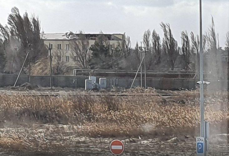 """В МСП """"Ольвія"""" під час шторму зірвало дах в одній з будівель (ФОТО)"""