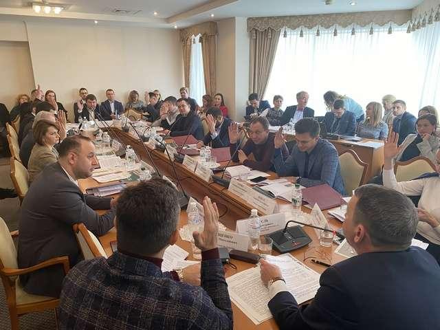 Комітет ВР з питань транспорту розглянув законопроекти про внутрішній водний транспорт та про приєднання до Угоди про розвиток мультимодальних перевезень ТРАСЕКА