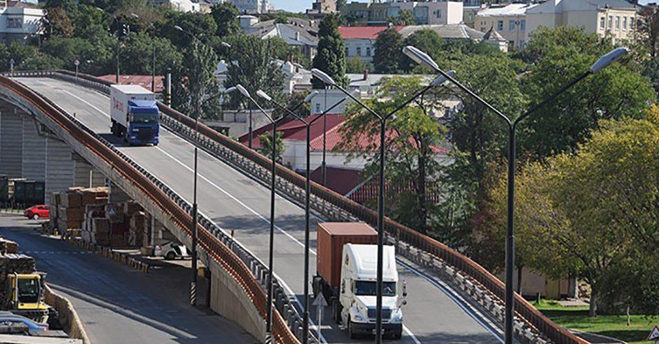 Адміністрація Одеського порту закликає операторів контейнерних терміналів прискорити впровадження електронних сервісів оформлення перепусток для великовантажного автотранспорту