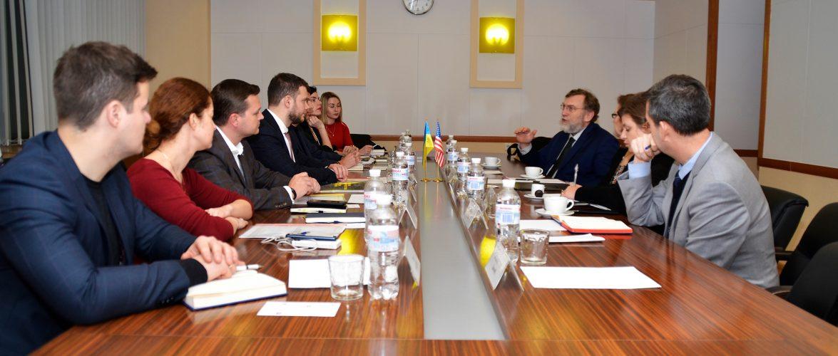 Ми запрошуємо компанії з США долучитись до концесійних проєктів в Україні, – Владислав Криклій