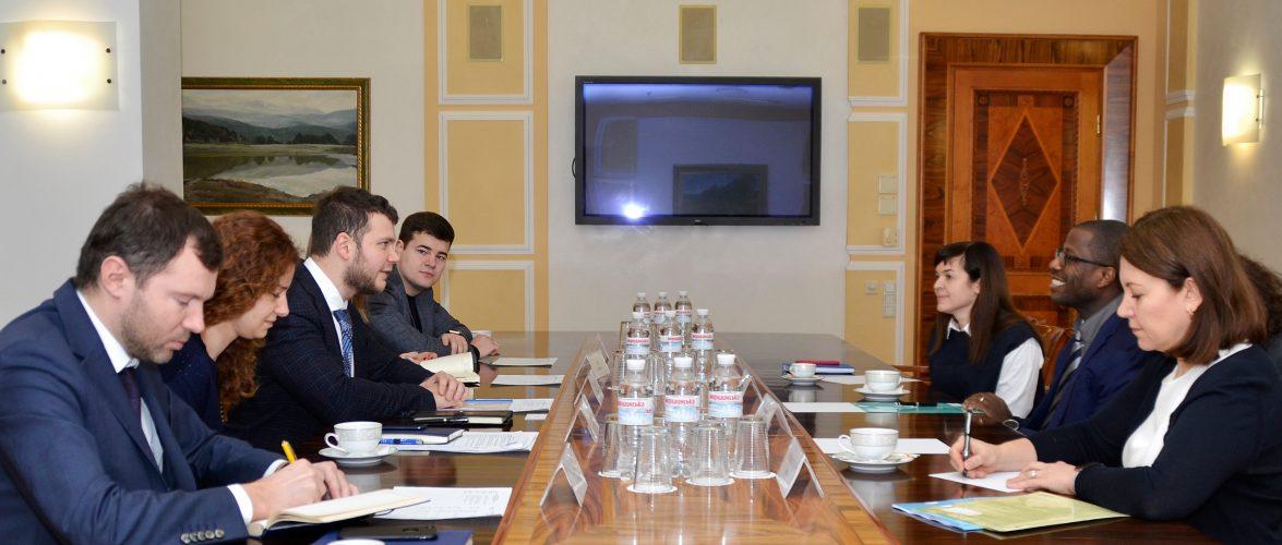 Міністр інфраструктури України Владислав Криклій провів зустріч із представниками Управління ООН з обслуговування проєктів