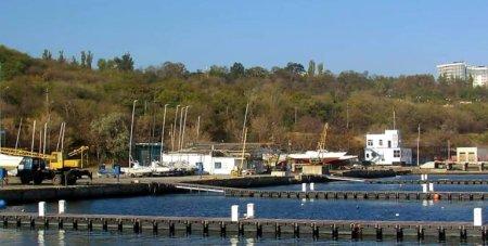 Дозвіл на будівельні роботи яхт-клубу на Французькому бульварі не скасовано – Суд оголосив перерву