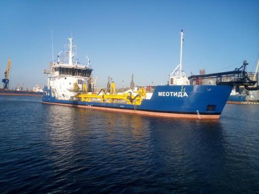 Землесос «Меотида» завершив роботи в морському порту Бердянськ та повернувся до Маріуполя