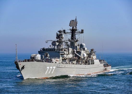 Російські бойові кораблі супроводжують трубоукладчик здатний добудувати «Північний потік – 2» – ЗМІ