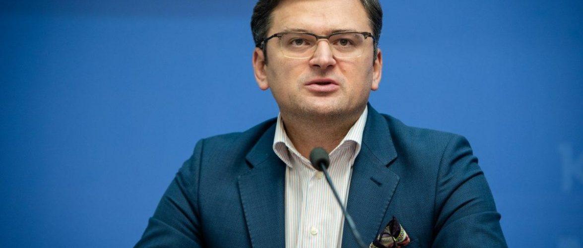 Міністр закордонних справ відповідає на питання про повернення громадян з-за кордону в Україну
