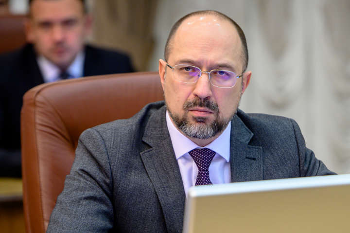 Кабмін заборонив експорт етилового спирту з України