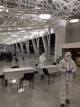В аеропорту «Бориспіль» всі авіарейси міжнародного сполучення на приліт переведені до терміналу B, постійно працюють епідеміологи