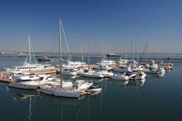 Відкрито провадження у справі щодо земельної ділянки відведеної для експлуатації яхт-клубу в Одесі