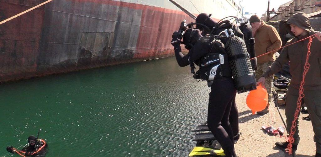 У водолазній школі ВМС триває підготовка водолазів