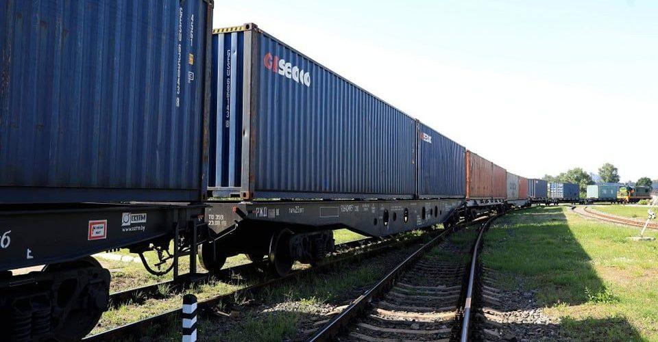 Укрзалізниця прийняла перший контейнерний поїзд Китай — Україна
