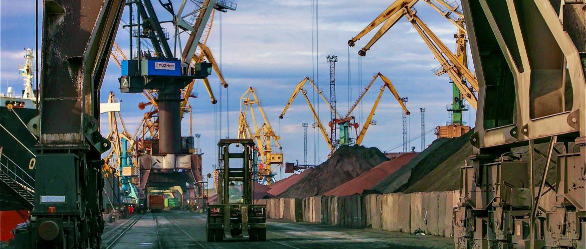 Морський торговельний порт «Южний» з початку року перевантажив 9,6 млн тонн