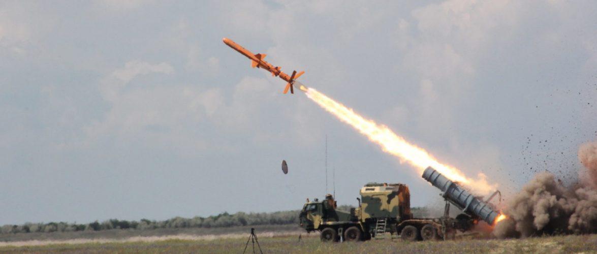 """Випробування берегових ракетних комплексів """"Нептун"""" завершені"""