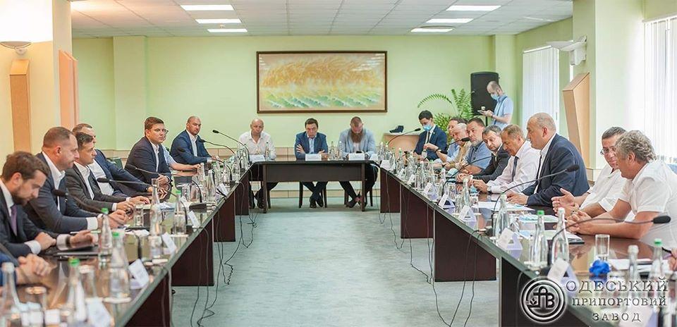 Президент України приїхав до АТ «Одеський припортовий завод»