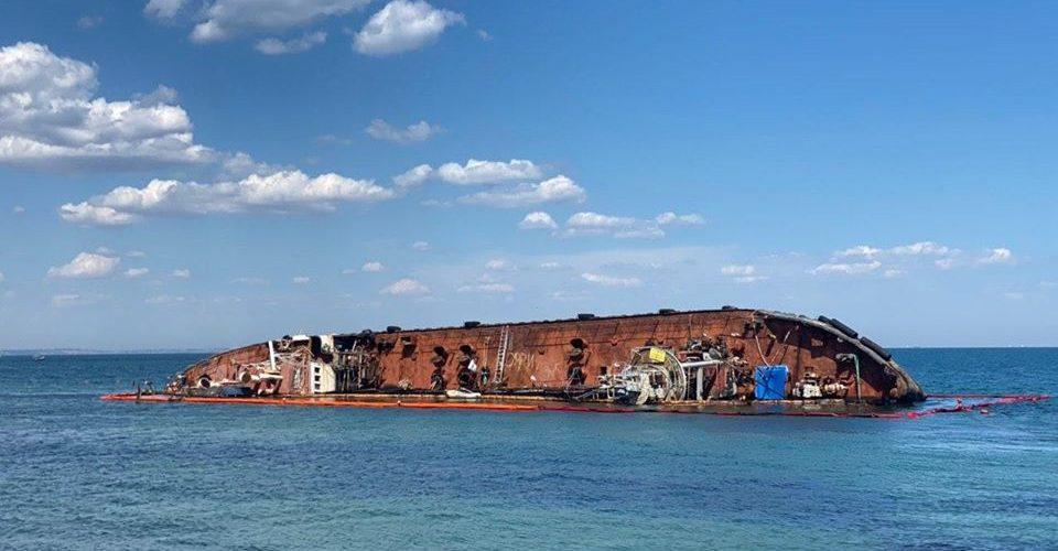 """Губернатор Одеської області просить Кабмін визнати ситуацію с танкером """"Делфі"""" як надзвичайну"""