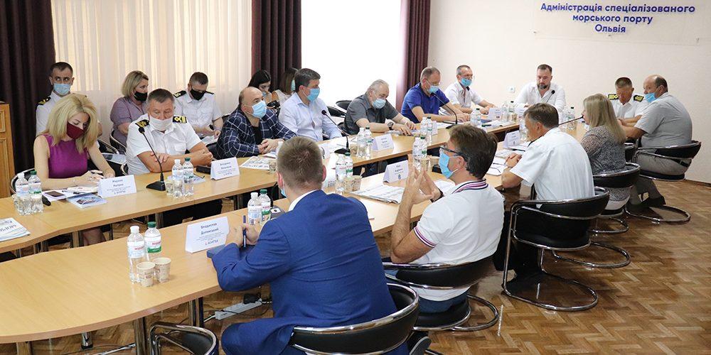 На засіданні Ради порту Ольвія обговорили пілотний екологічний проект «Зелений порт»
