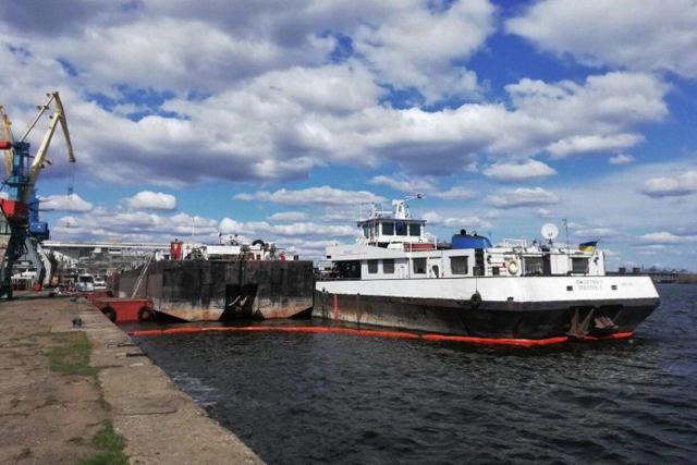 Перевезення вантажів по Дніпру досягли 5 млн тонн