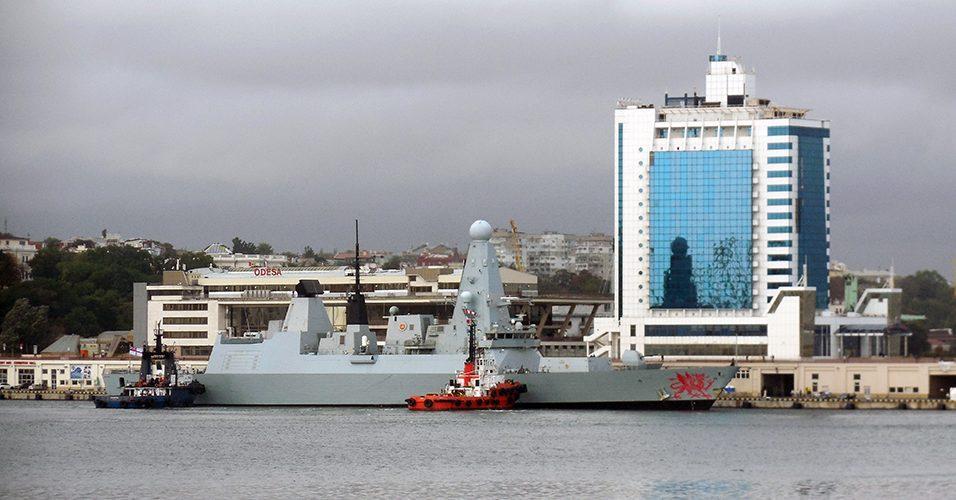 (ФОТО) Корабель британського флоту зайшов до Одеського порту