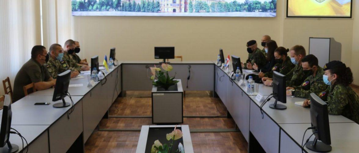Канадські інструктори продовжать підготовку українських курсантів у межах проєкту UNIFIER