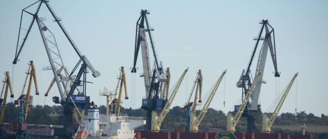 Керівників порту «Южний» викрили на зловживаннях у 47,5 млн грн